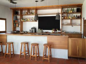 San Antonio Tennis Club bar renovation